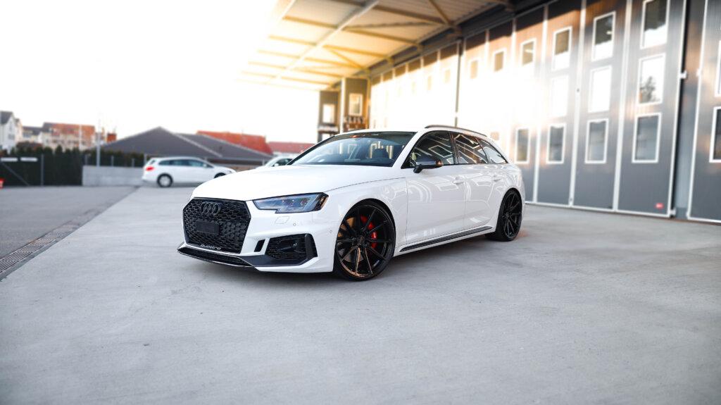 Audi RS4 Vossen Wheels